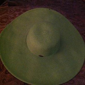 WIde brimmed Women's Sunhat in Chartreuse